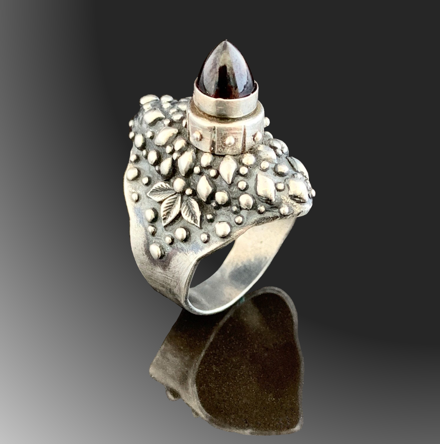 Screw Top Poison Ring by Tracey Spurgin of Craftworx