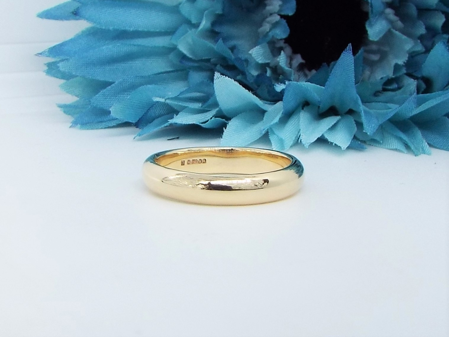 9ct Gold Wedding Ring - D Shaped - Wide- Polished