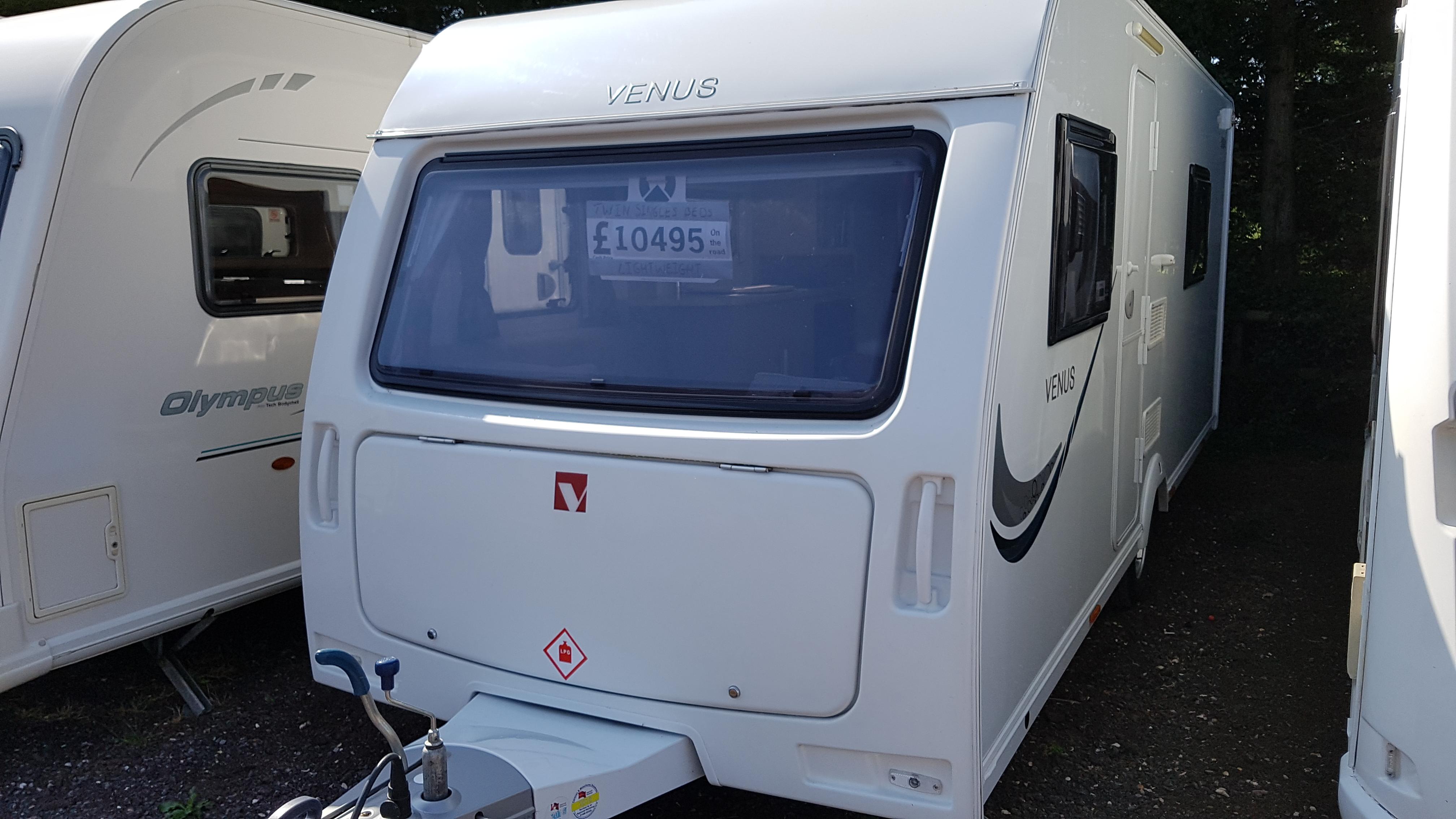 2014 Lunar Venus 500-4 4 Berth FIXED SINGLE BEDS Caravan Lightweight 1350kgs