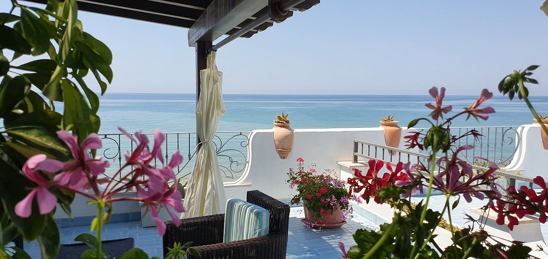 "Terrace of room ""Rosa di Mare"""