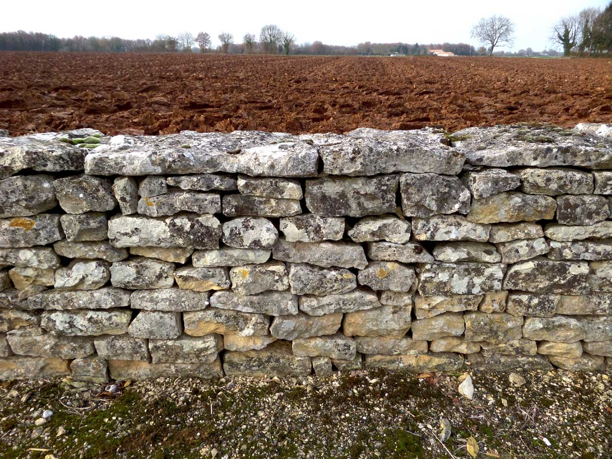 Dry stone wall France