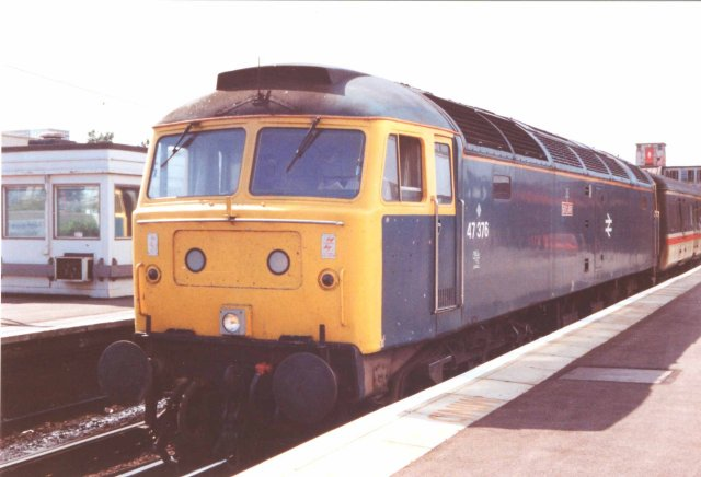 47376 at Poole with the 1340 to Manchester Piccadilly 24/08/91  (Nick Greaves)