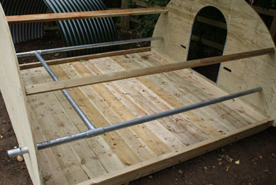 8*8 Ark only, Bars can be easily moved to give piglets more space. Rear door recommended