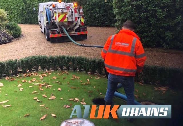 A1 UK Drains based in Reading, Berkshire offer a full range of septic tank services throughtout Berkshire and surrounding areas.