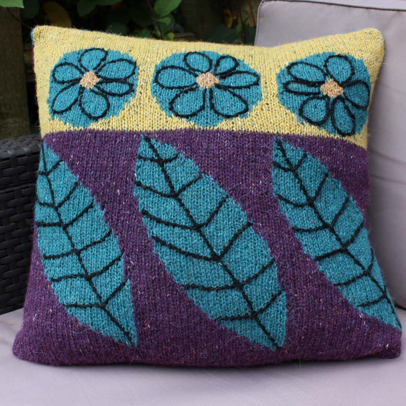 Knitting pattern - falling leaves cushion
