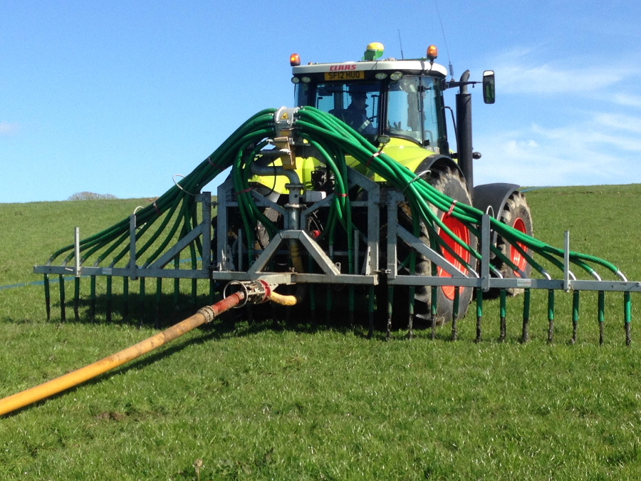 Tanker slurry, umbilical slurry or injecting slurry services throughout Dumfries and Galloway and South Ayrshire