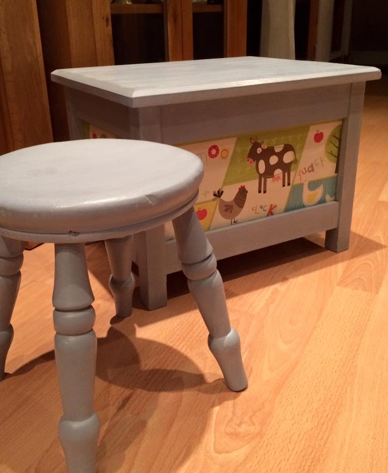 Beautiful toy set perfect for any children's bedroom, painted in Grey with farm style paper