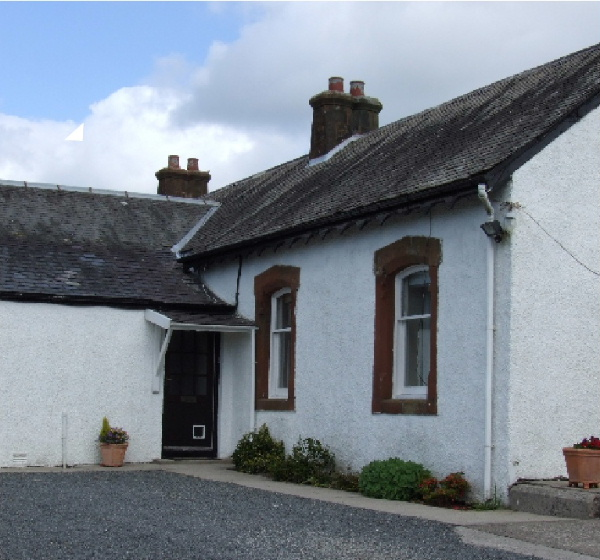 Front door and exterior view of Kilfillan Holiday Cottage