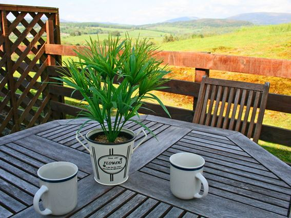 Breakfast on the decking at Creeview Holiday Cottage