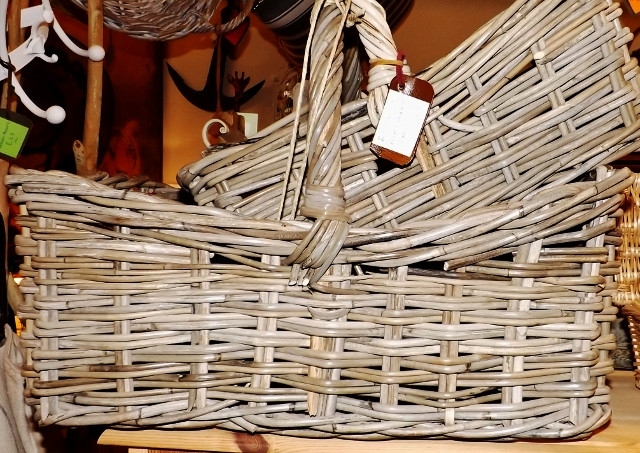 Rectangular handled baskets