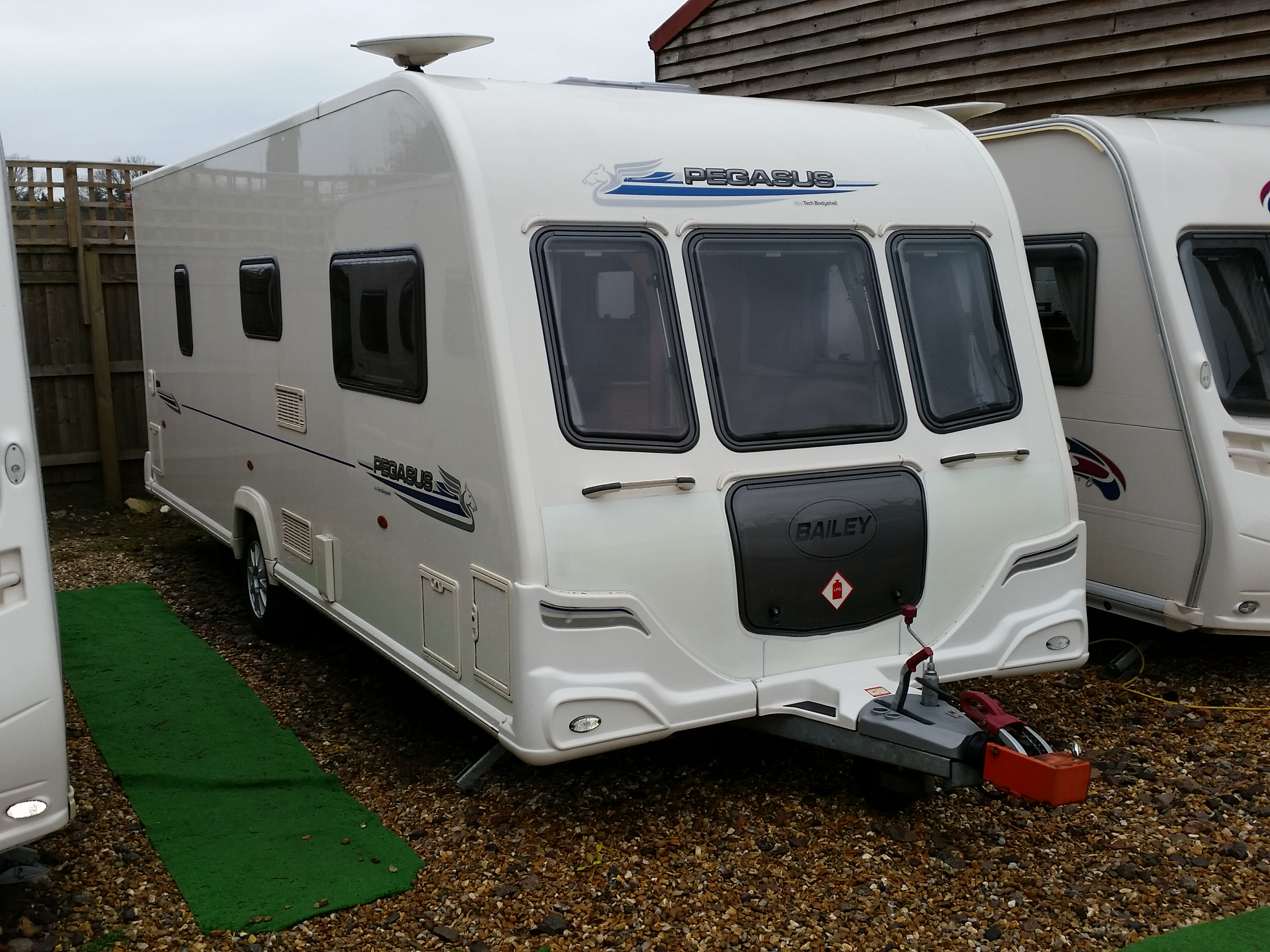 2010 Bailey Pegasus 524 Fixed BED Motor Mover
