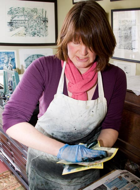 Artist Pamela Grace hold classes in Dalbeattie.