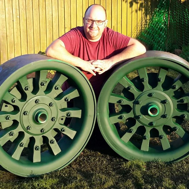 New Dedion lorry wheels
